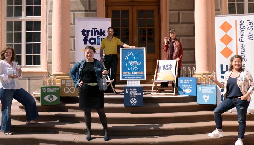 trinkfair soulbottles überreicht – Schlossfestspiele Ettlingen nutzen künftig vermehrt Trinkwasser aus dem Hahn